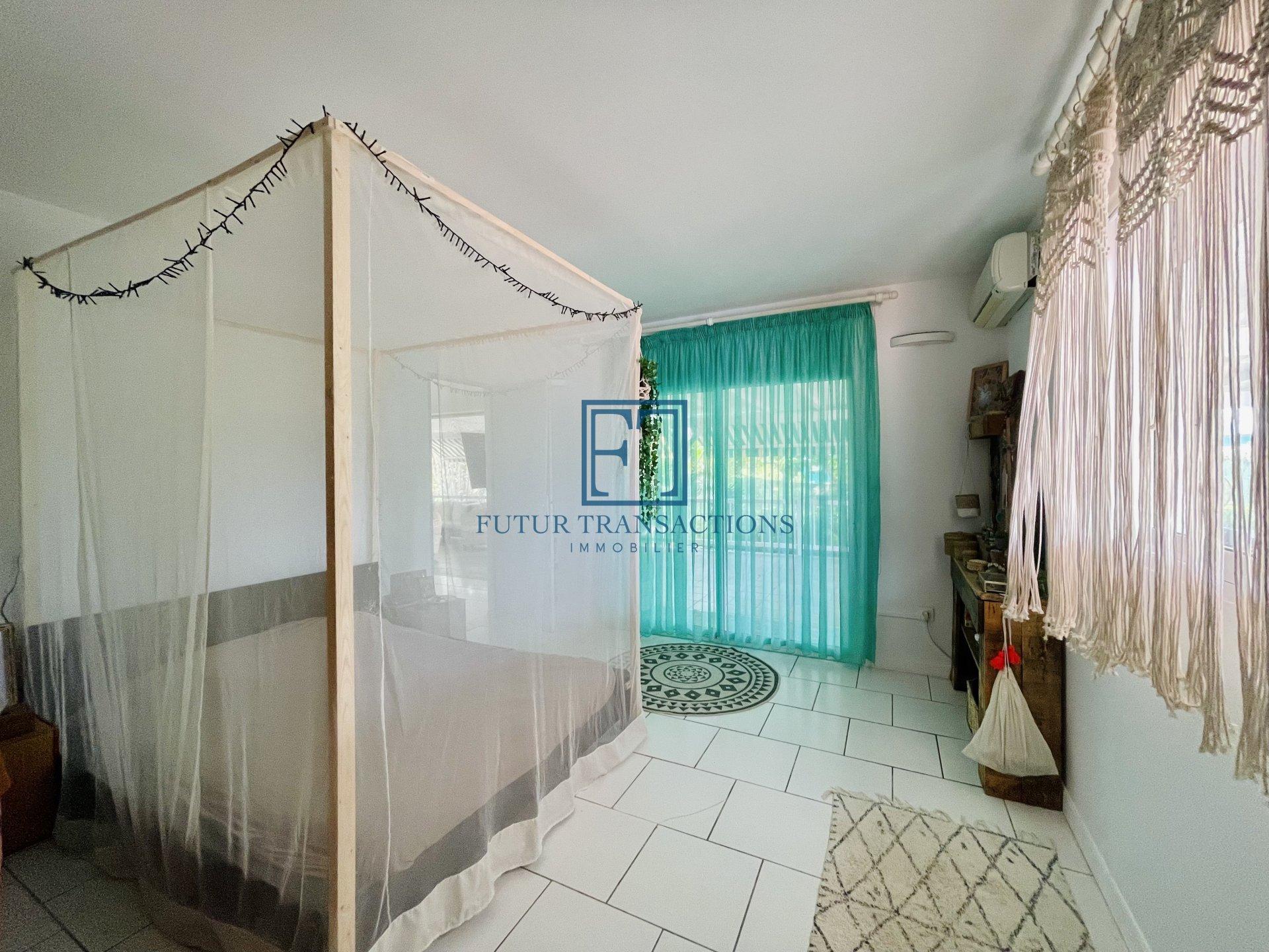 Villa avec piscine T5 Le Moule
