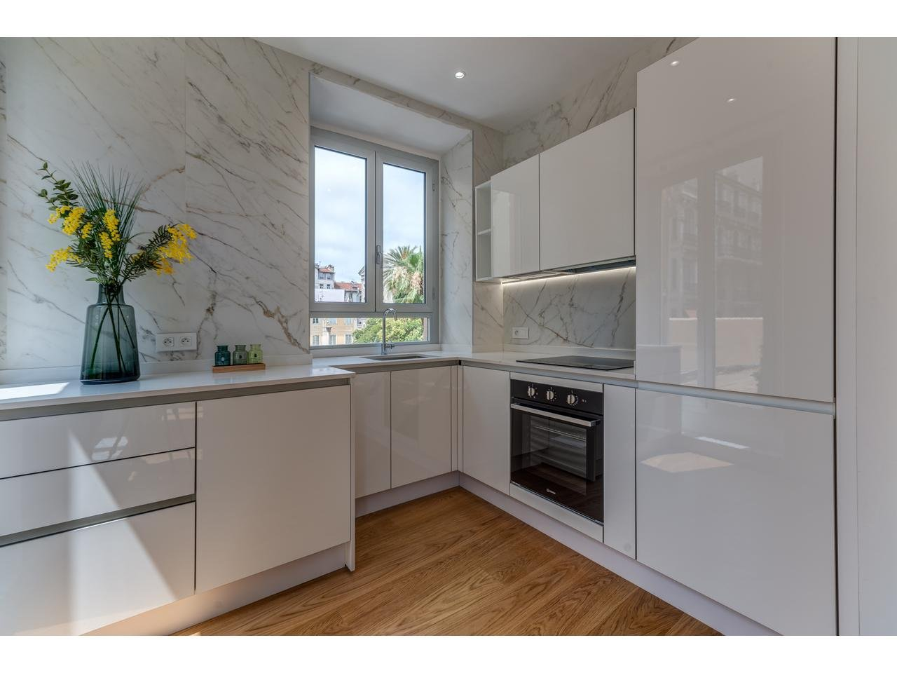 Appartement  3 Rooms 79m2  for sale   785000 €