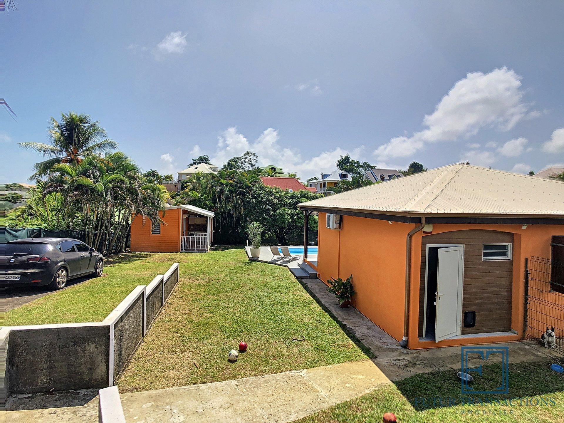 A saisir ! Villa T4 avec piscine et bungalow