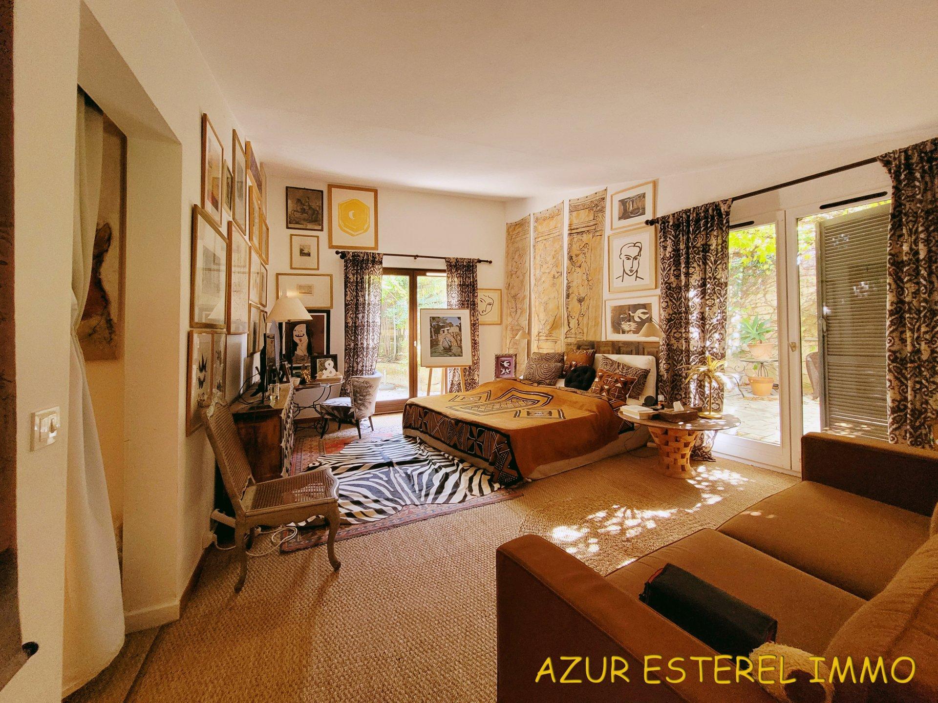 Charmantes provenzalisches Landhaus, in einer geschlossenen Wohnanlage in nicht weit vom Strand