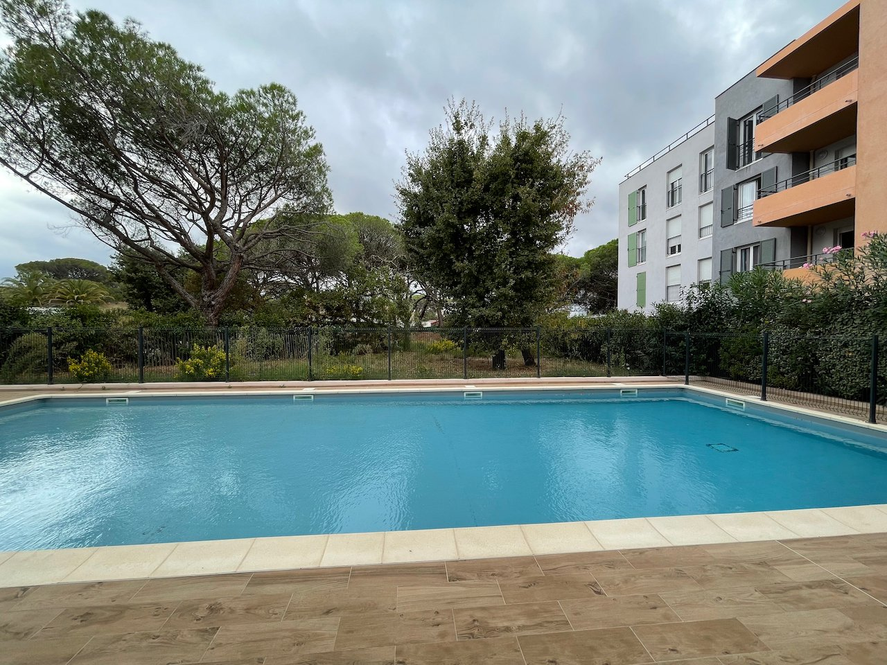 Frejus - modern and spacious 3/4 room apartment in residence with pool