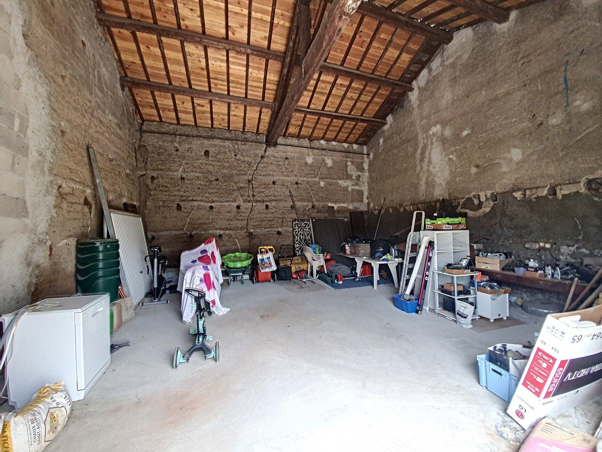 SURY LE COMTAL MAISON 130M²+GRANGE 60M2
