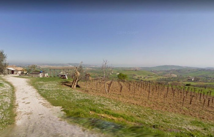 Countryhome to restore, plot of 30 000 sqm