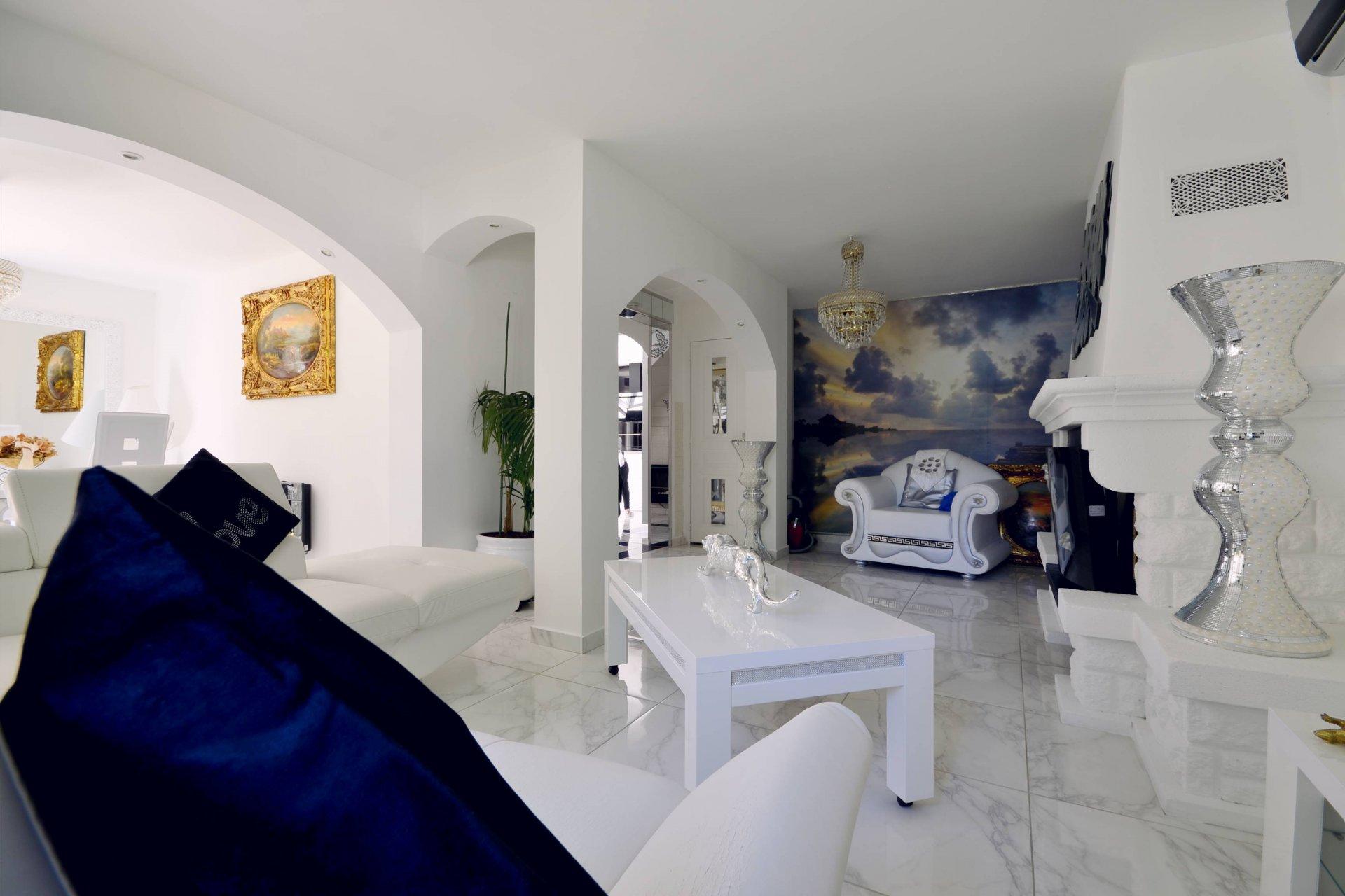 Villa T5 + T2 sur 430m² de terrain avec piscine