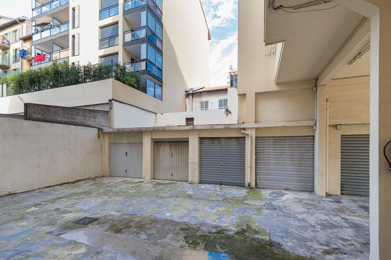 République/Riquier 3p traversant en excellent état, terrasses, garage.