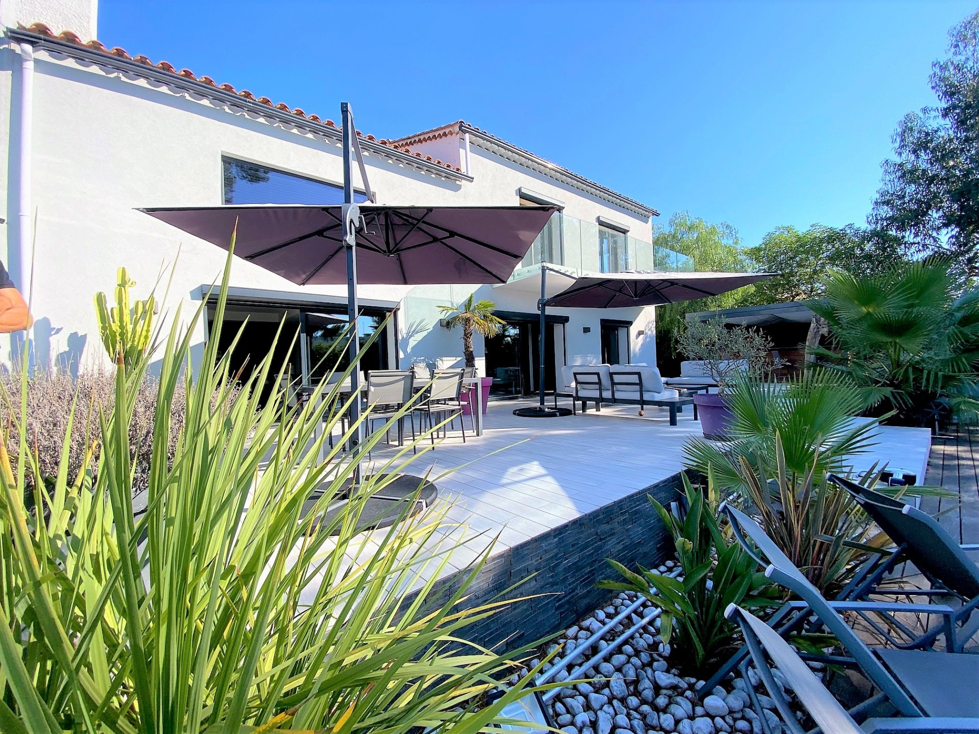 MOUGINS SALE DETACHED HOUSE WITH POOL