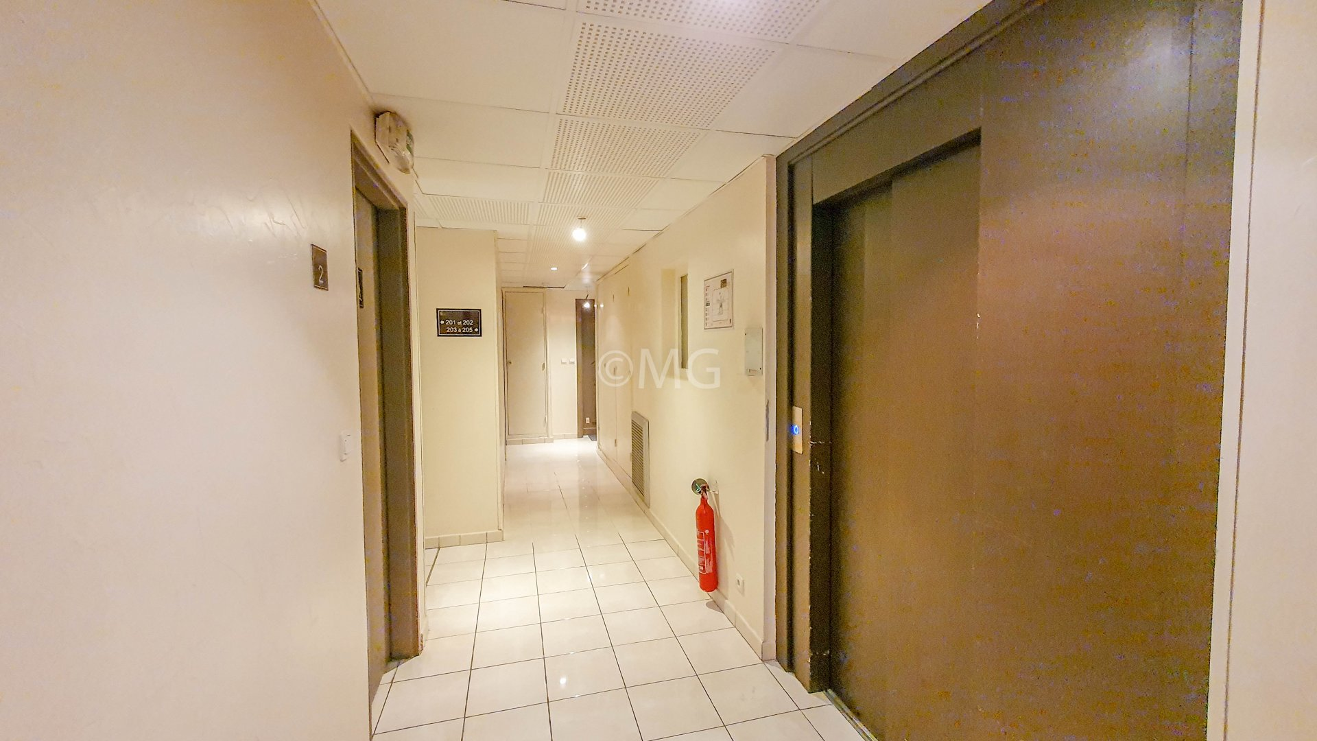 Cannes Carnot 2 rooms + Parking