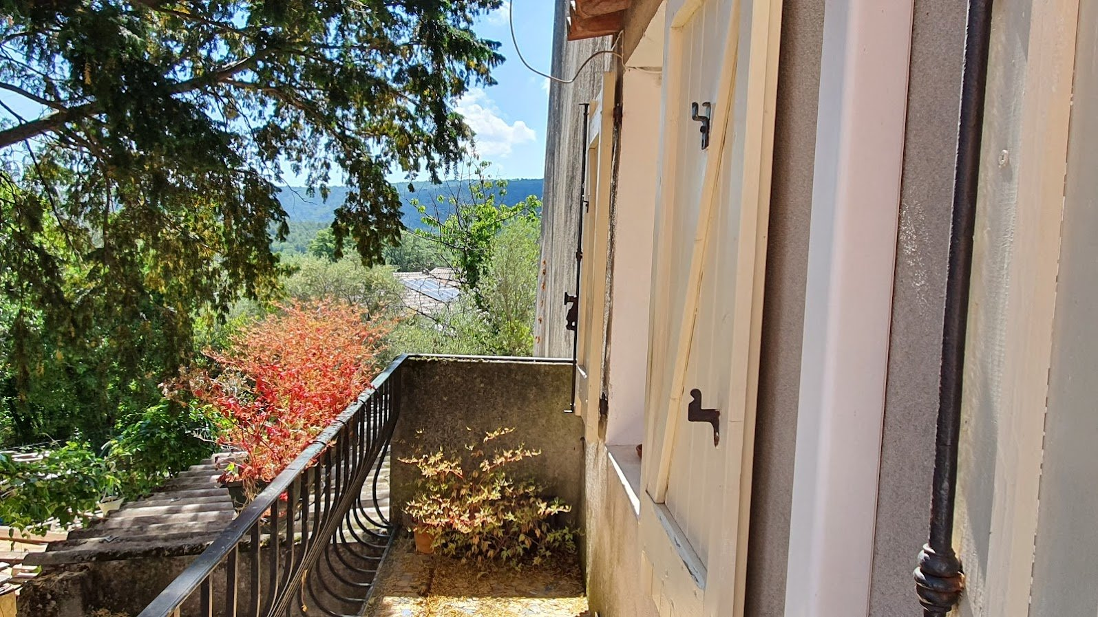 MAISON DE VILLAGE 100 m2 + ATELIER 20 m²