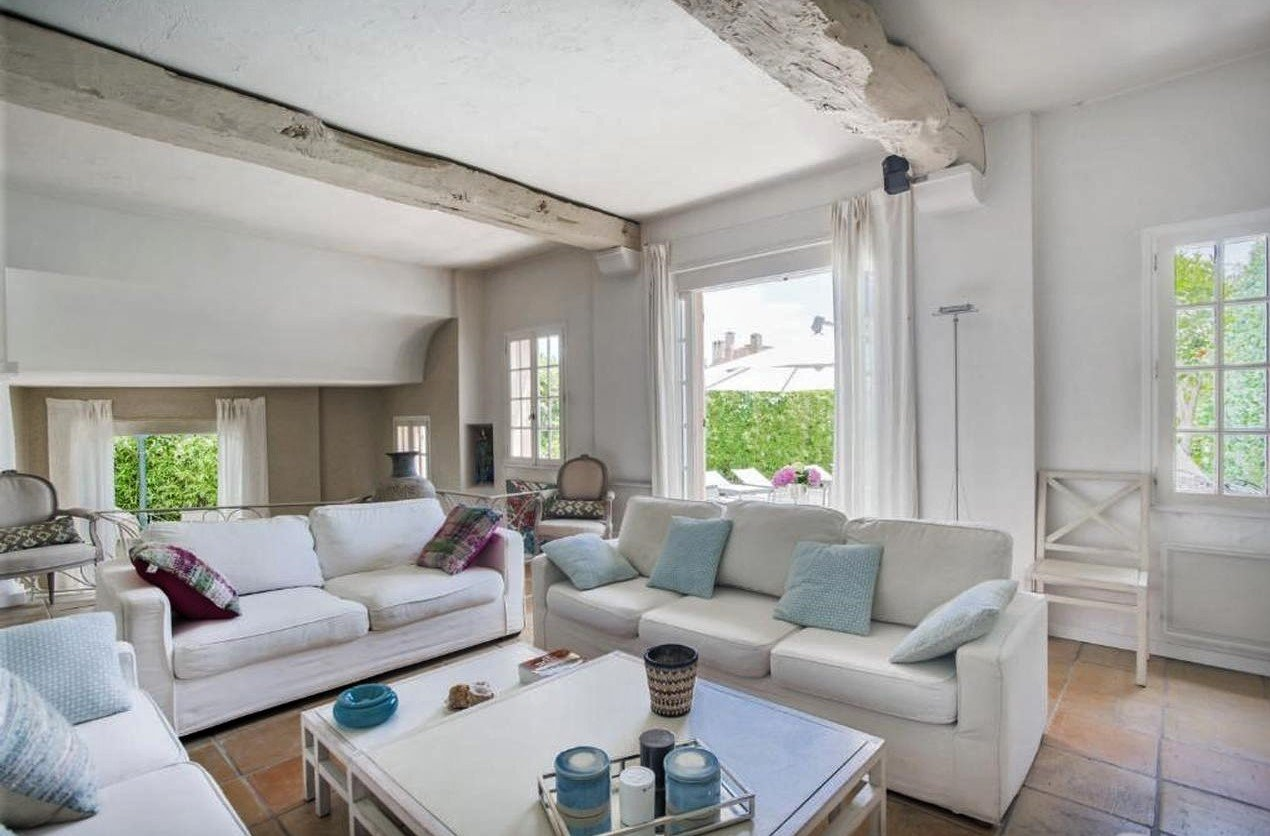 Hus med pool i privat domain - Cannes