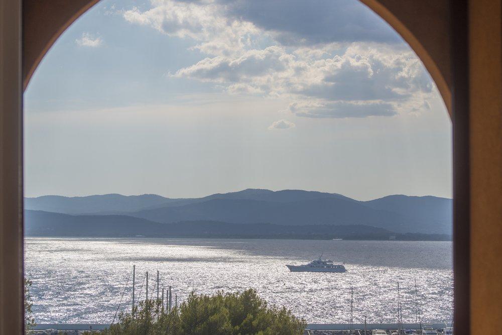 SEA VIEW APARTMENT AT SAINT RAPHAEL