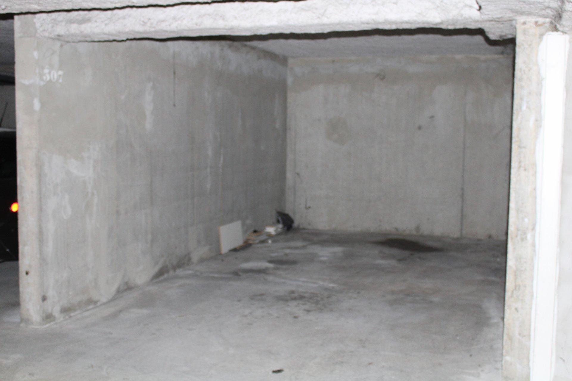 Montelimar, Appartement 2 pièces avec parking