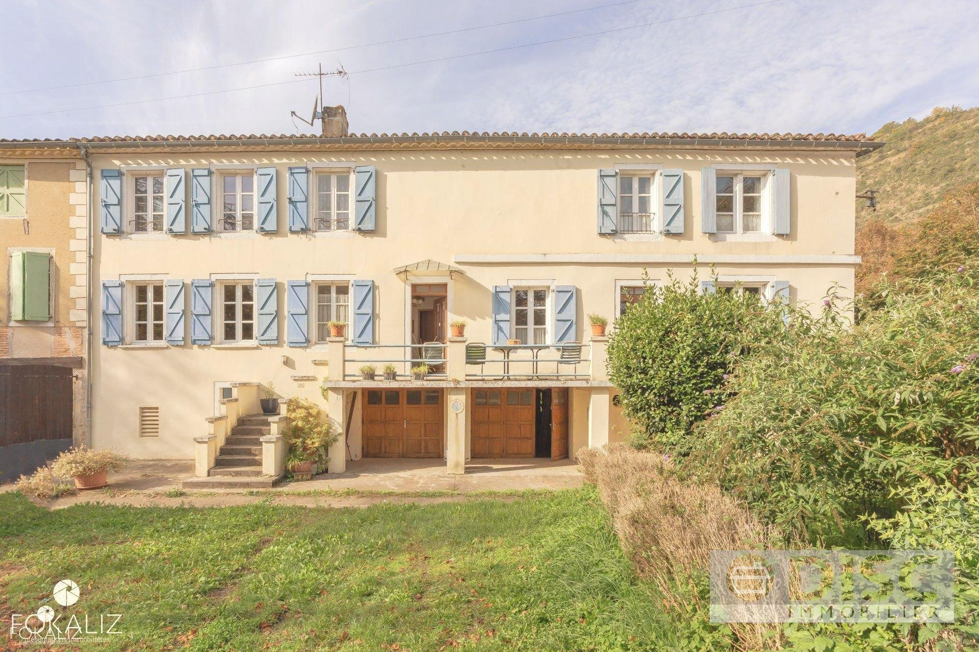 Spacious house with garden on village square.