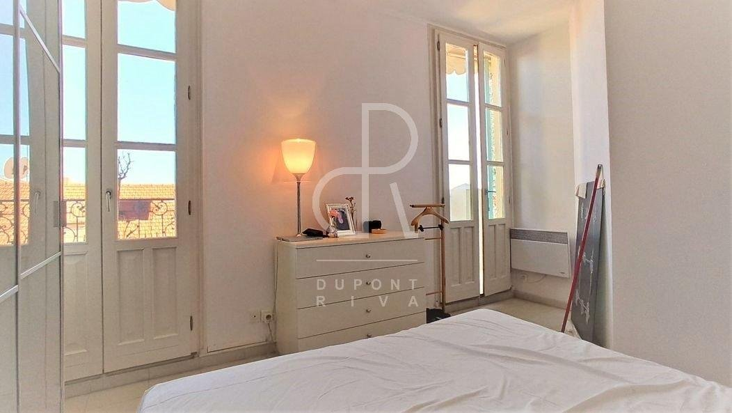 TWO-ROOM TOP FLOOR APARTMENT WITH SEA VIEW TERRACE