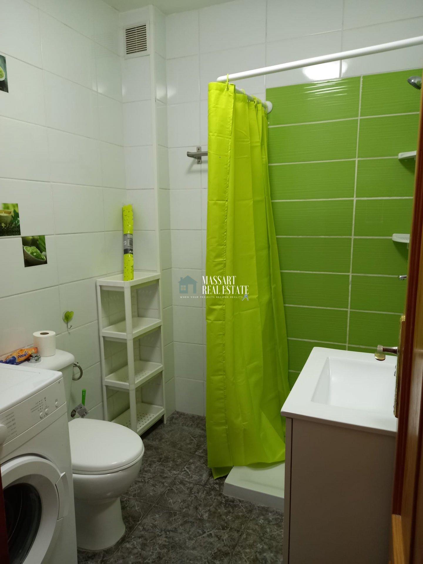 Appartement moderne de 60 m2 entièrement meublé et idéal pour emménager maintenant, à Guargacho.