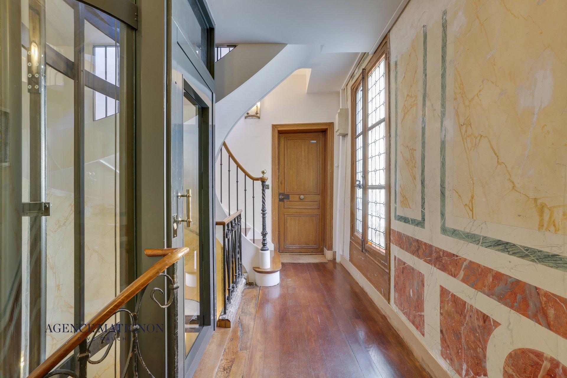 Appartement 6 pièces 115.46 m² 75007