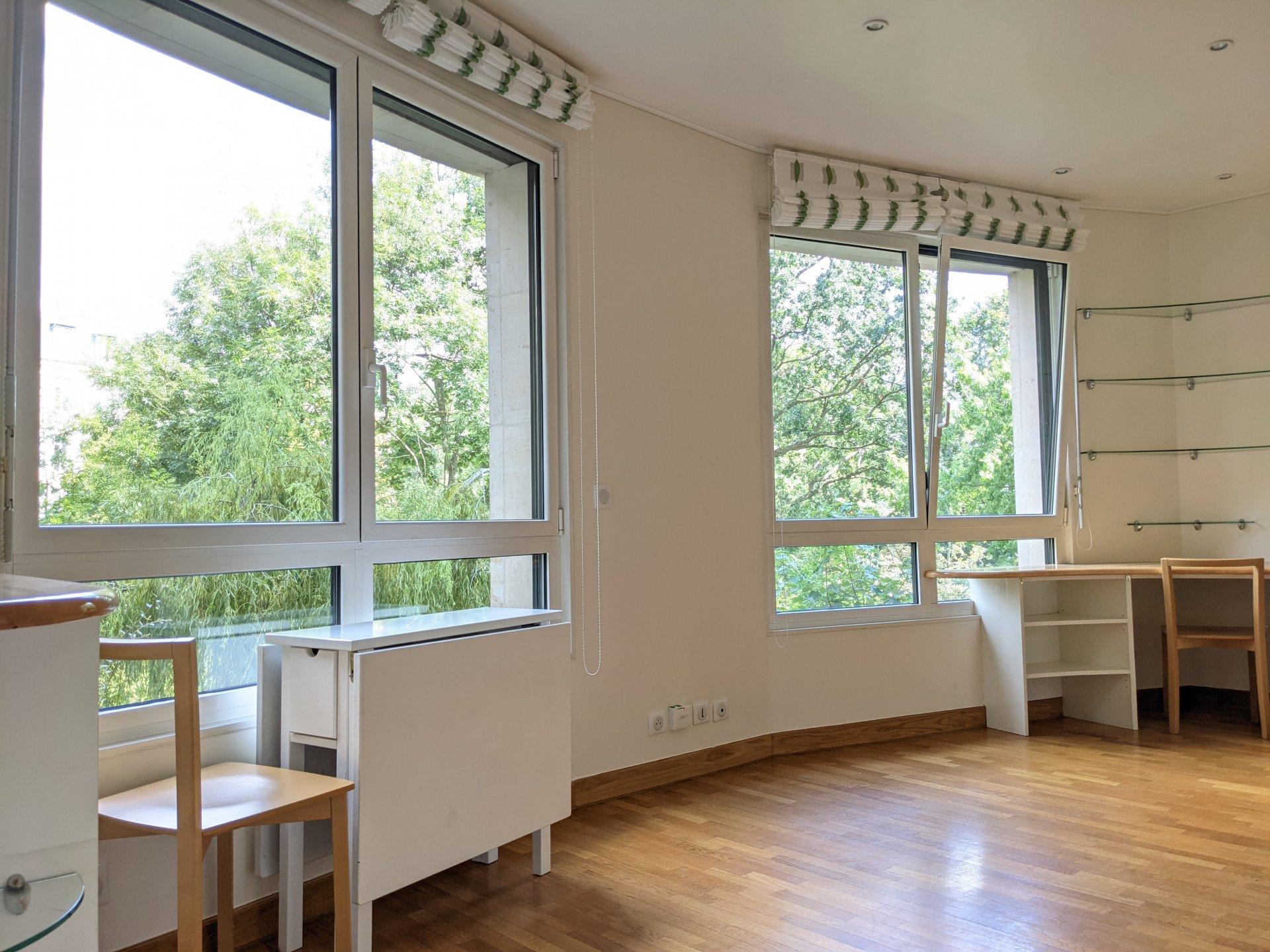 Studio  28.36 m² 75016