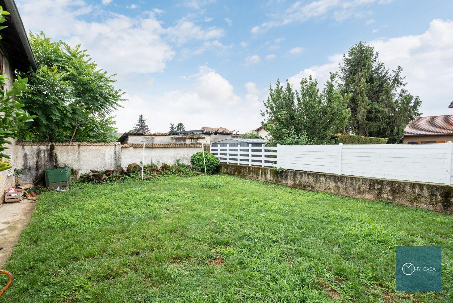 CORBAS CENTRE - Maison de 200 m2 sur 512 m2 de Parcelle