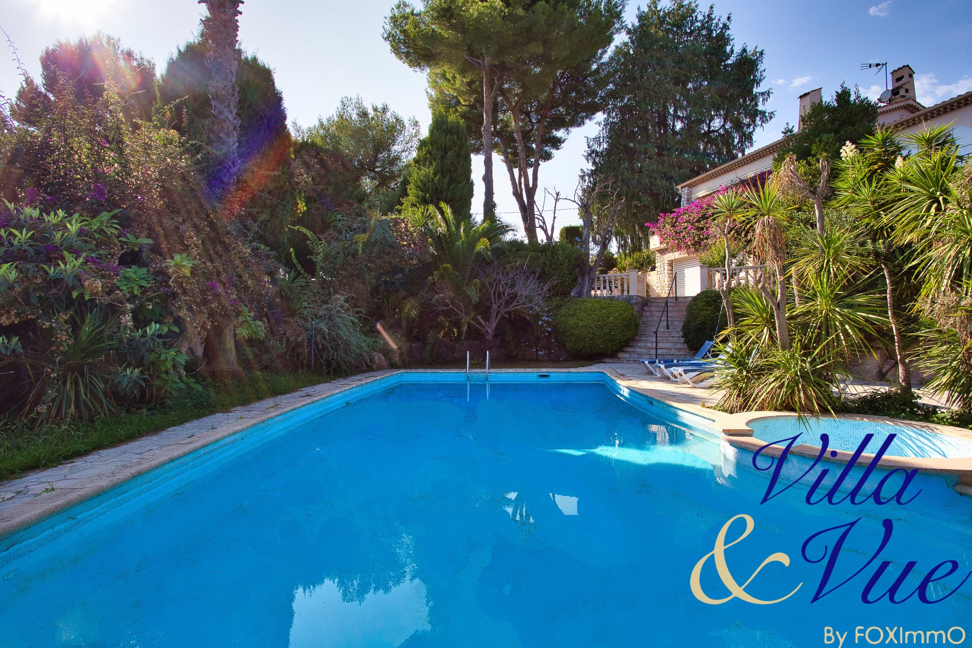 Sur la cote d'azur, Antibes, villa 6 P , aperçu  mer, piscine, terrain plat, garage