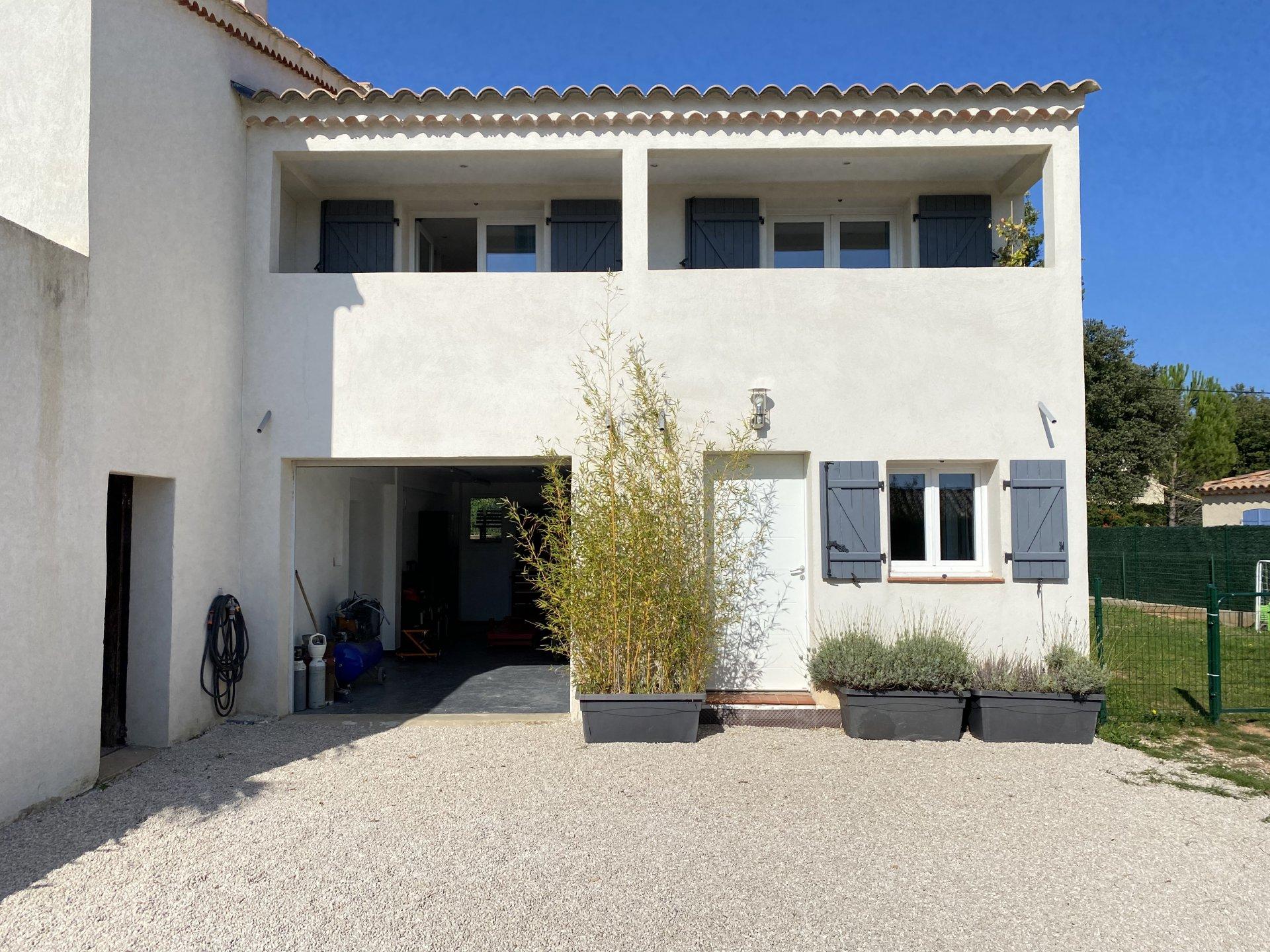 Pourrières Villa T6 vue panoramique entièrement rénovée avec Piscine