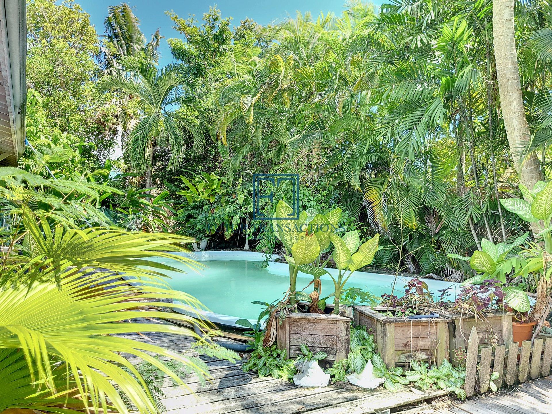 Villa T4 + bungalow , piscine Saint François