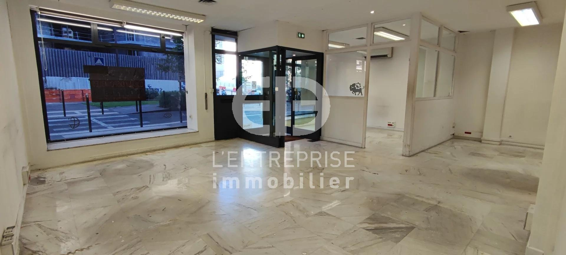 A LOUER LOCAL COMMERCIAL 116 M² NICE CALIFORNIE