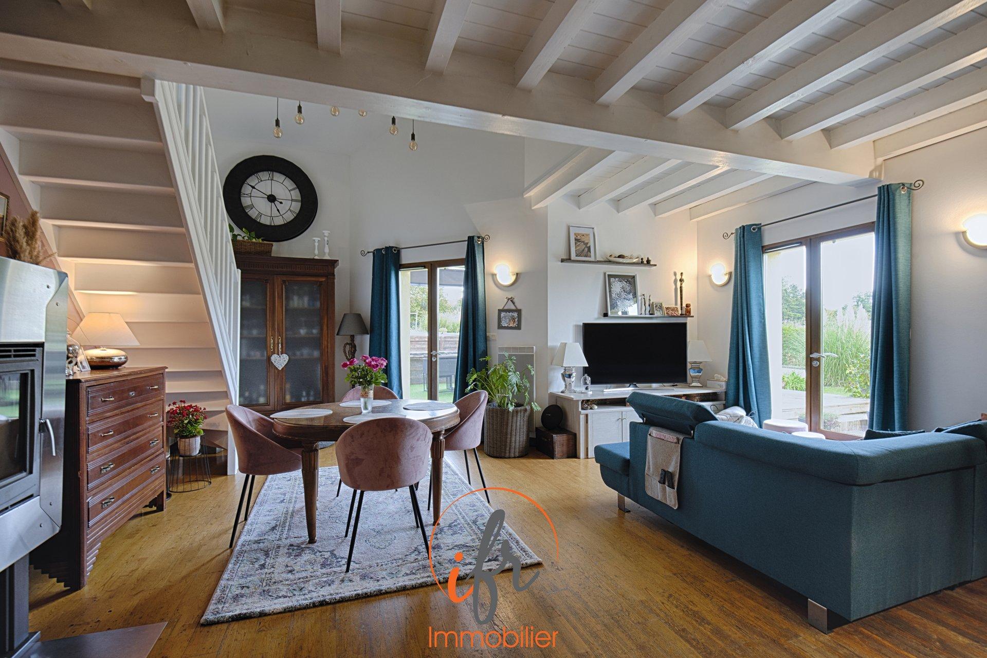 Villa au calme sur les hauteurs de Bourgoin, à 10 min de l'autoroute