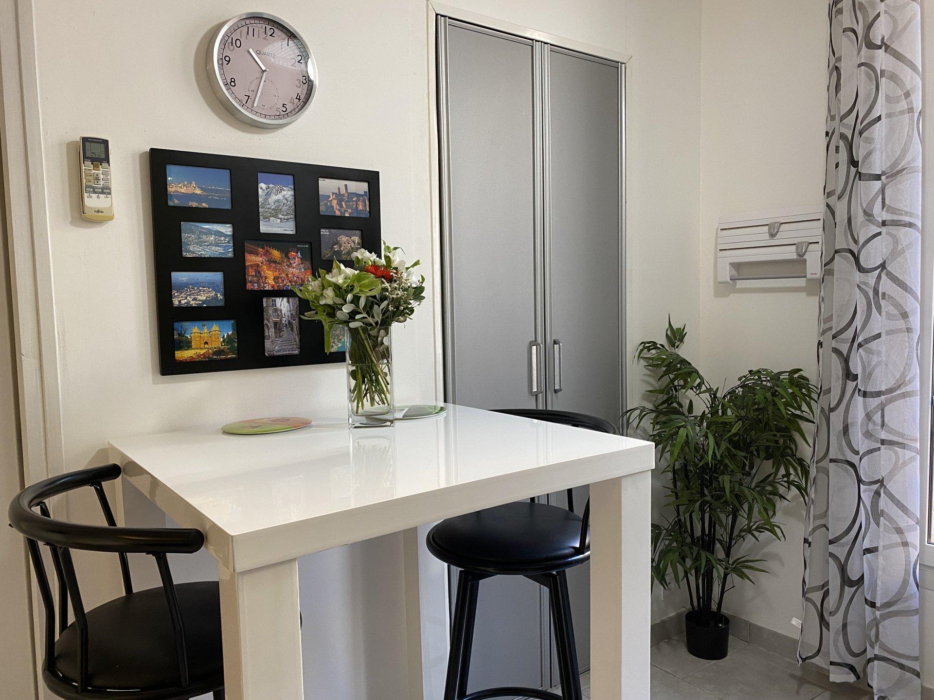 Studio meublé - Location longue durée