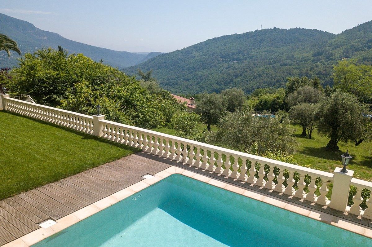 Lovely Provencal villa with stunning views.