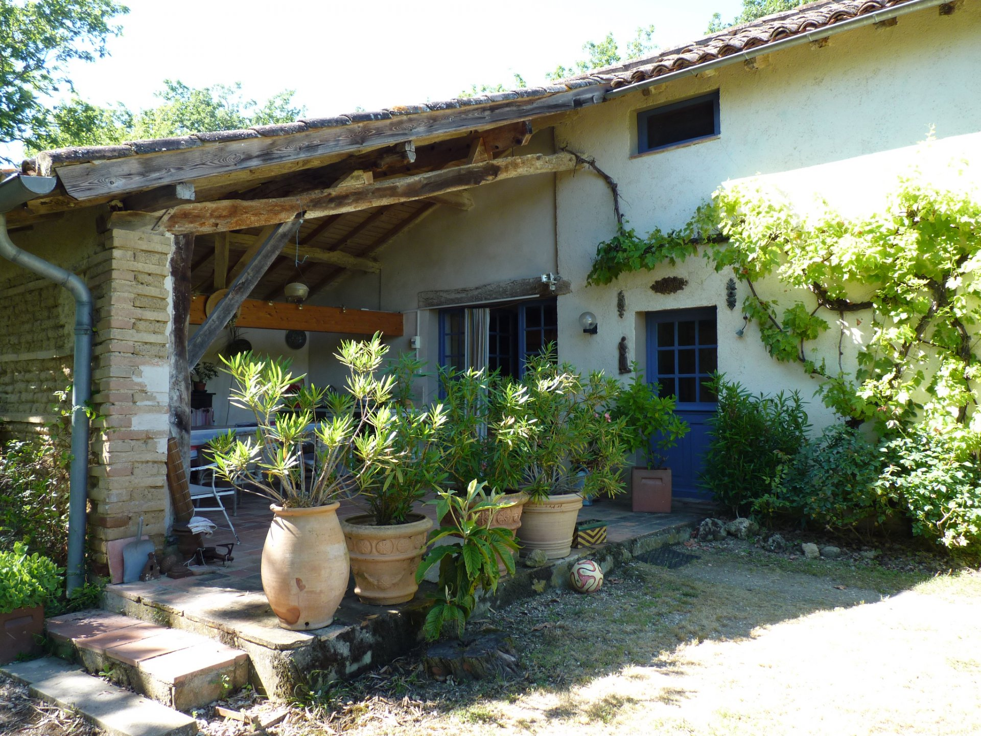 Near l'Isle en Dodon, beautiful property 200m² on 10 hectares