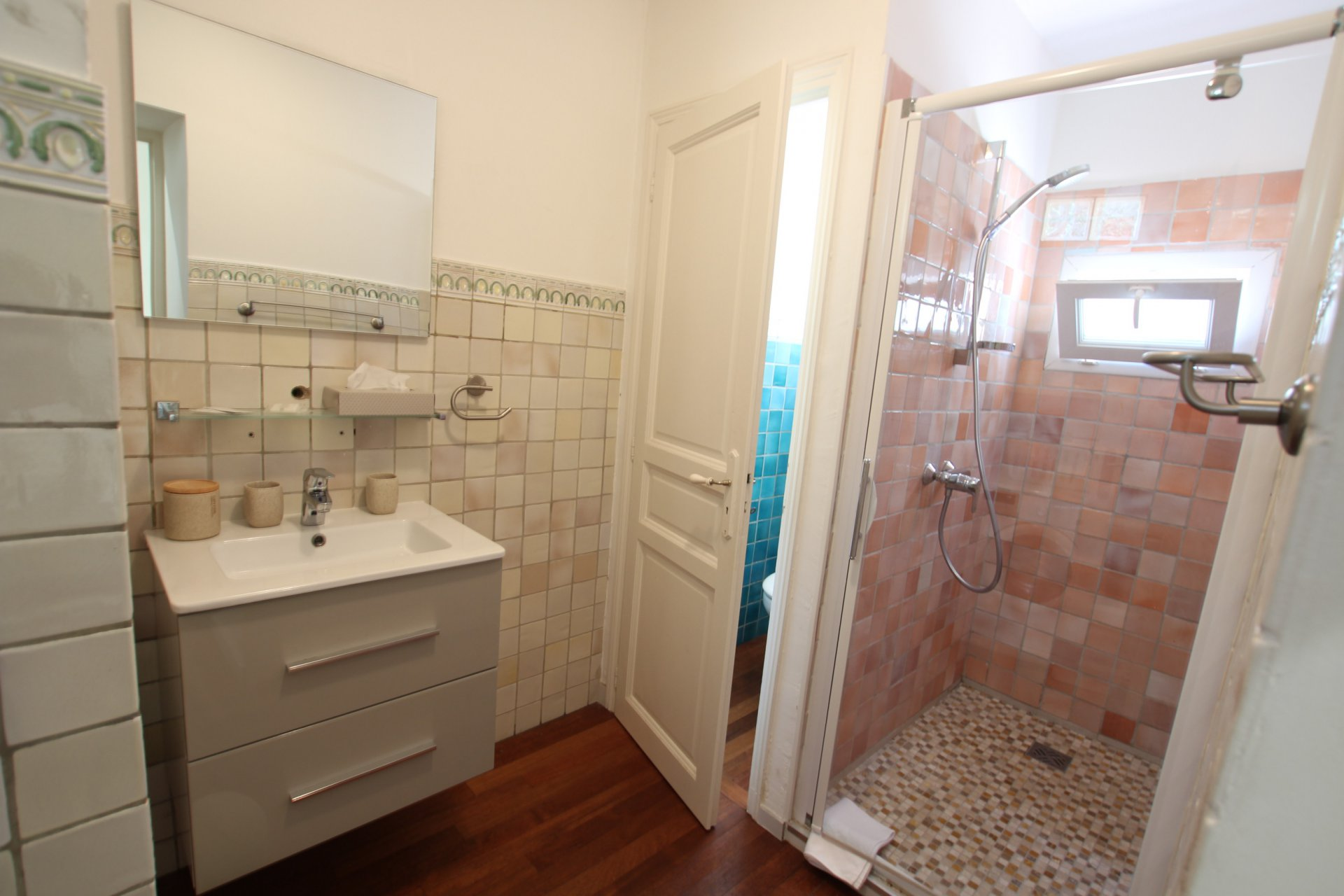 Bathroom, wood floors