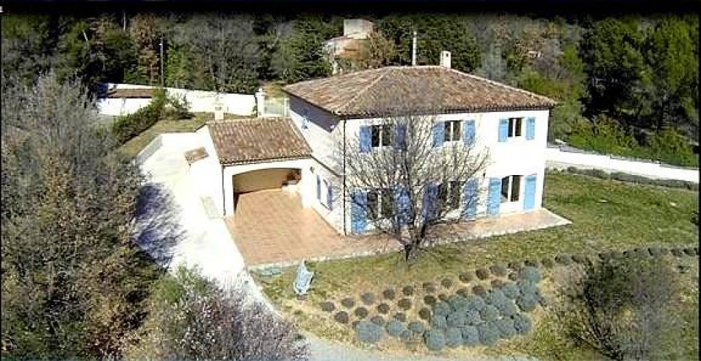 CHARMING BASTIDE IN DRAGUIGNAN