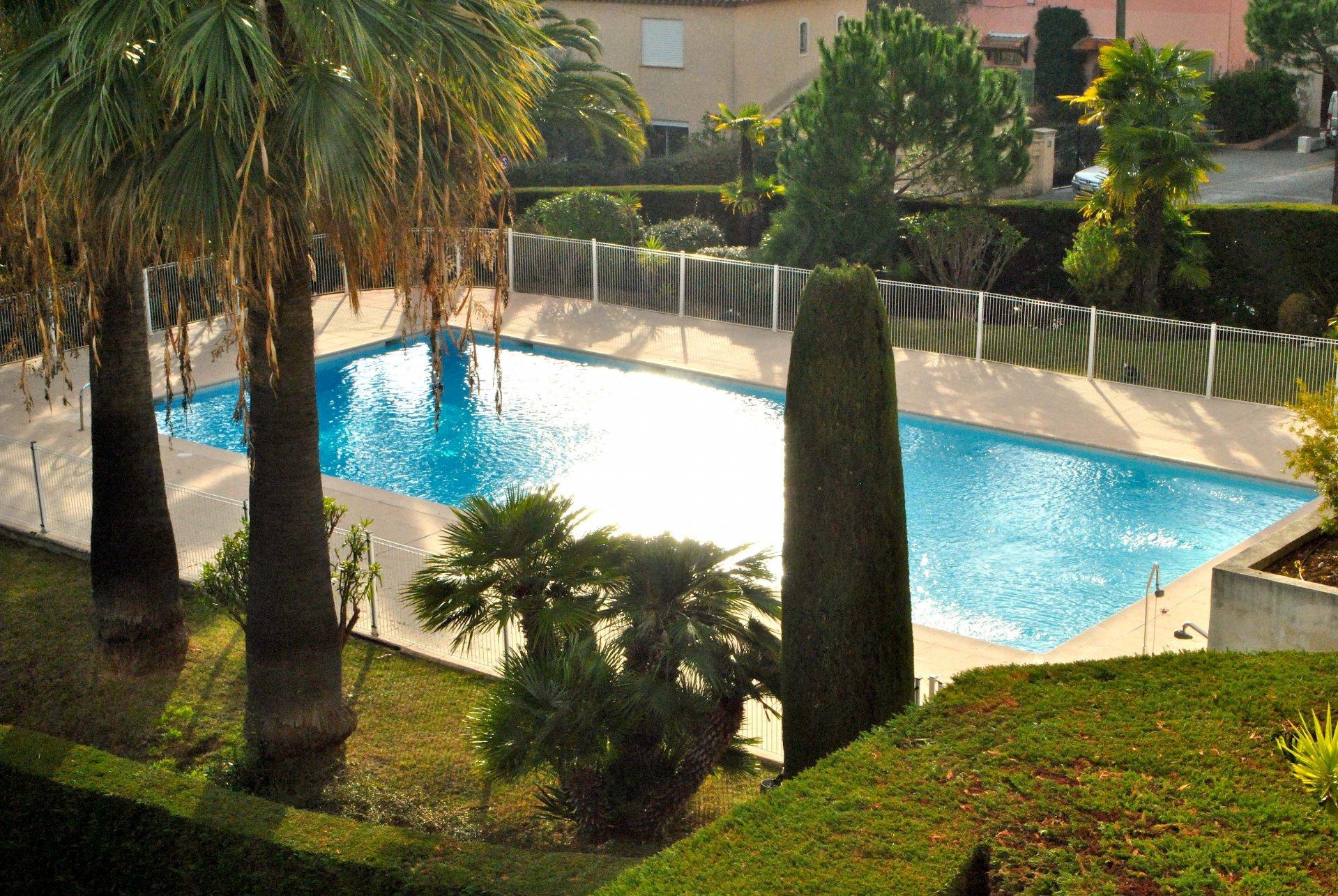 St Laurent du Var (06700) - Appartement Villa / Duplex - 4 Pièces