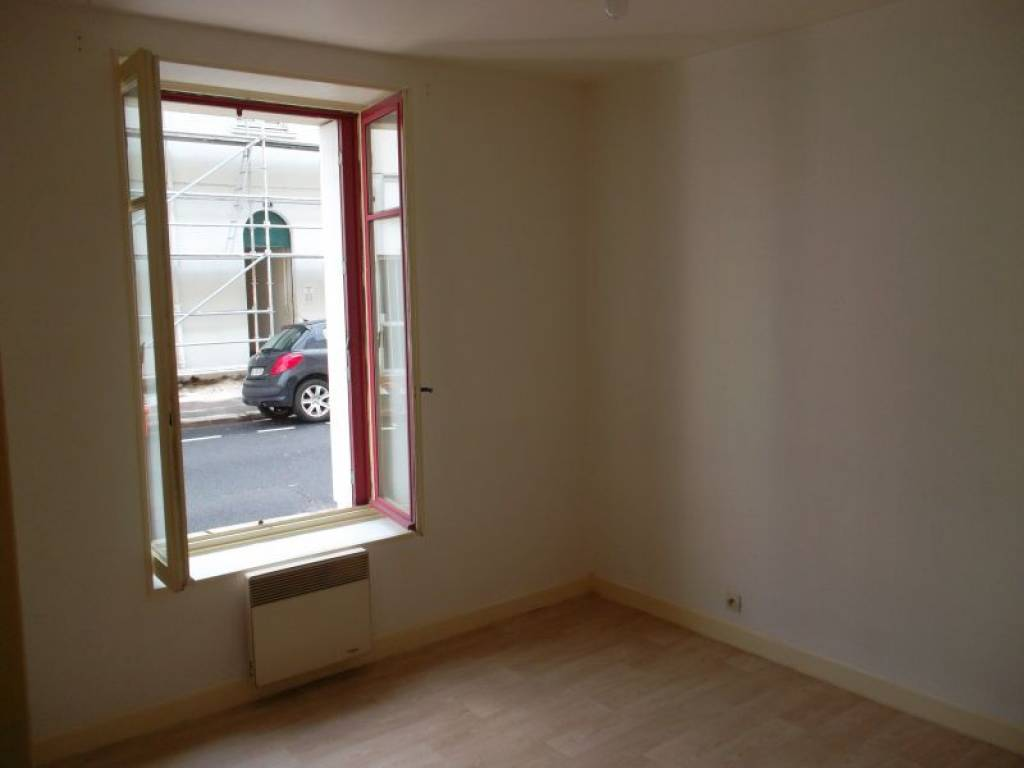 Nantes r publique appartement t2 de 36m for Appartement design t2