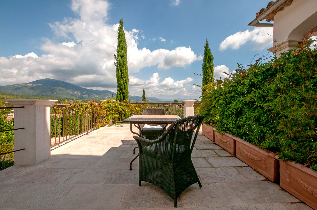 Superb property with breathtaking views, Opio