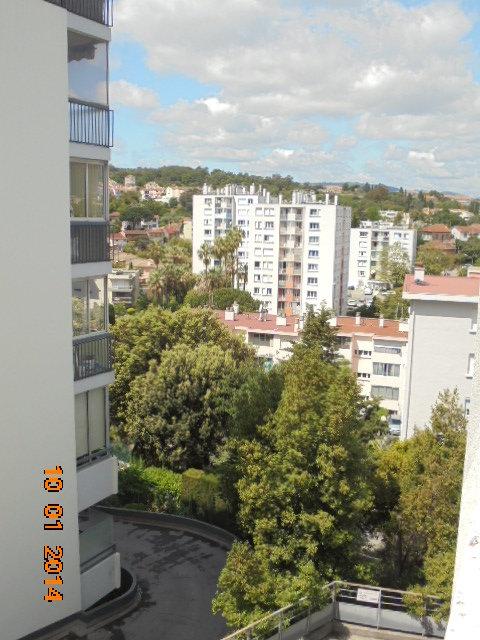 CANNES Broussailles ds résidence neuve