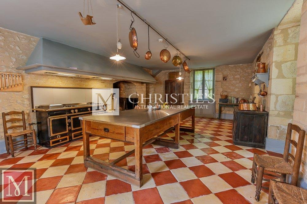 Kitchen, tile floors