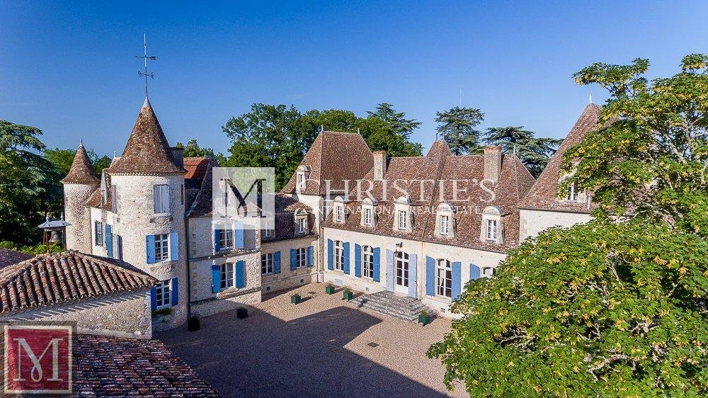 Ariel view of chateau with courtyard