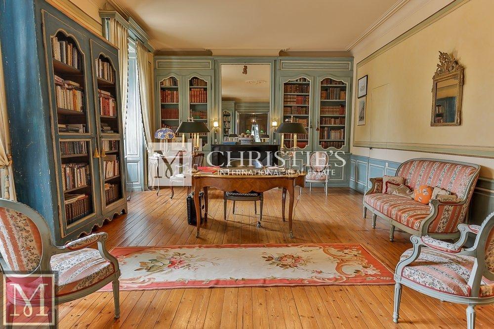 Library, study, wood floors