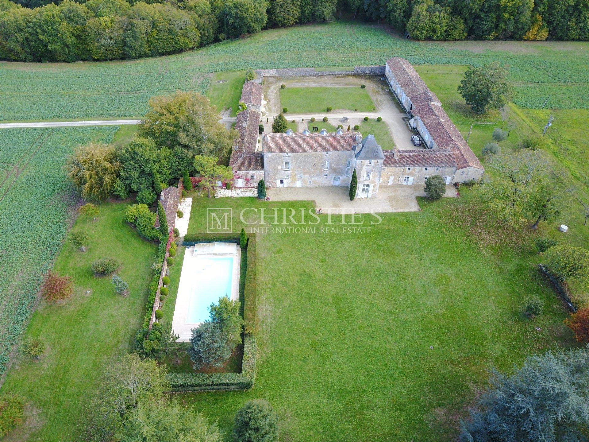 Magnificent 15th century manor house