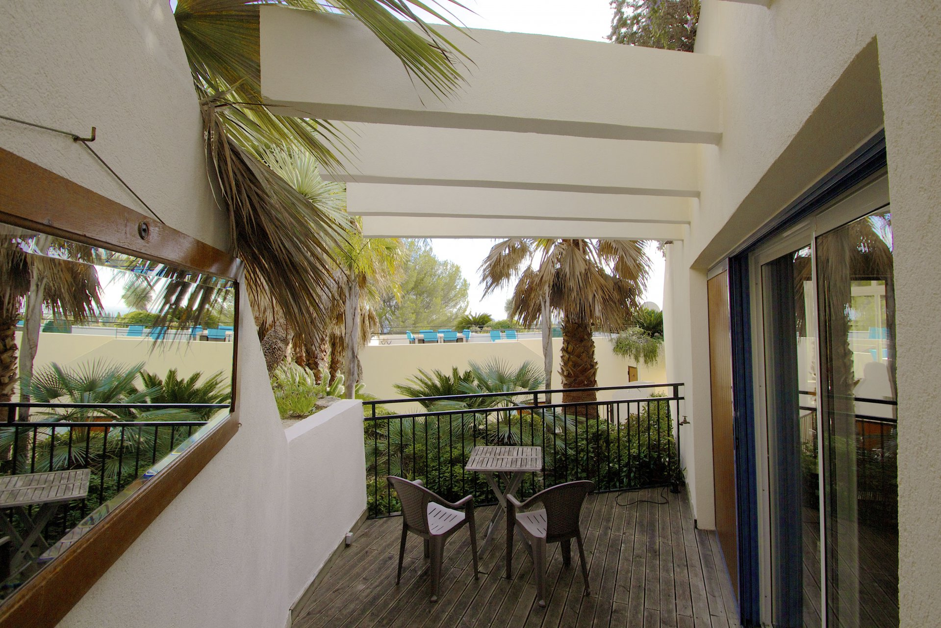 Saint Aygulf - villa divisée en trois appartements avec VU MER!!