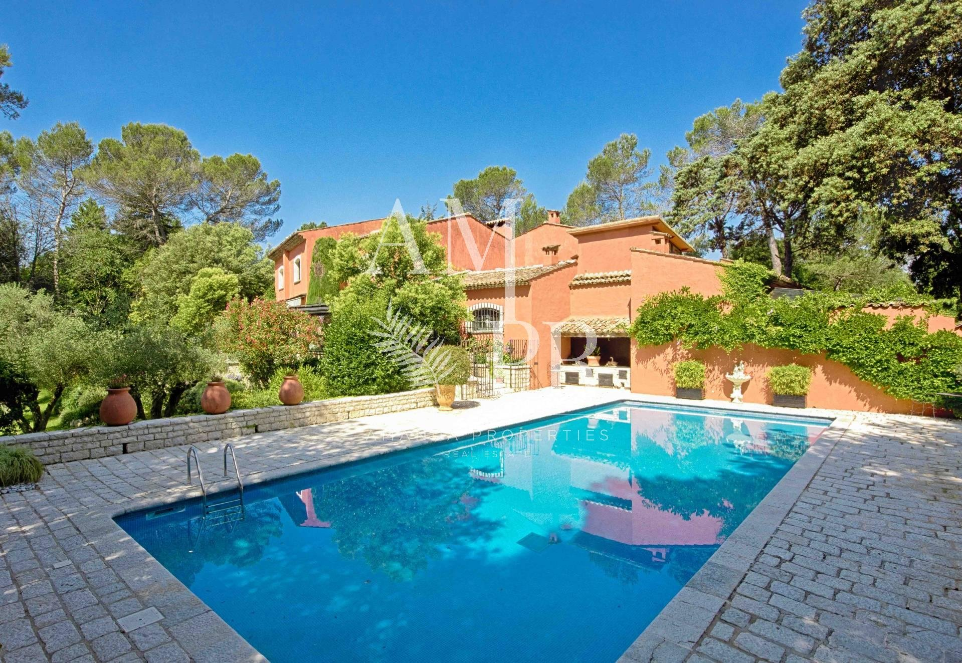 Property Mougins