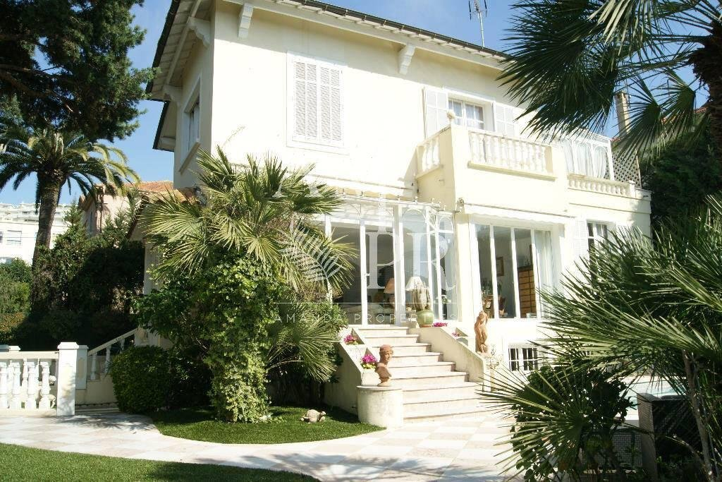 Mansion Cannes center