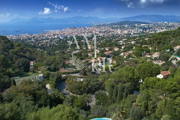 VILLA CONTEMPORAINE POSITION DOMINANTE SECTEUR TRES RESIDENTIEL