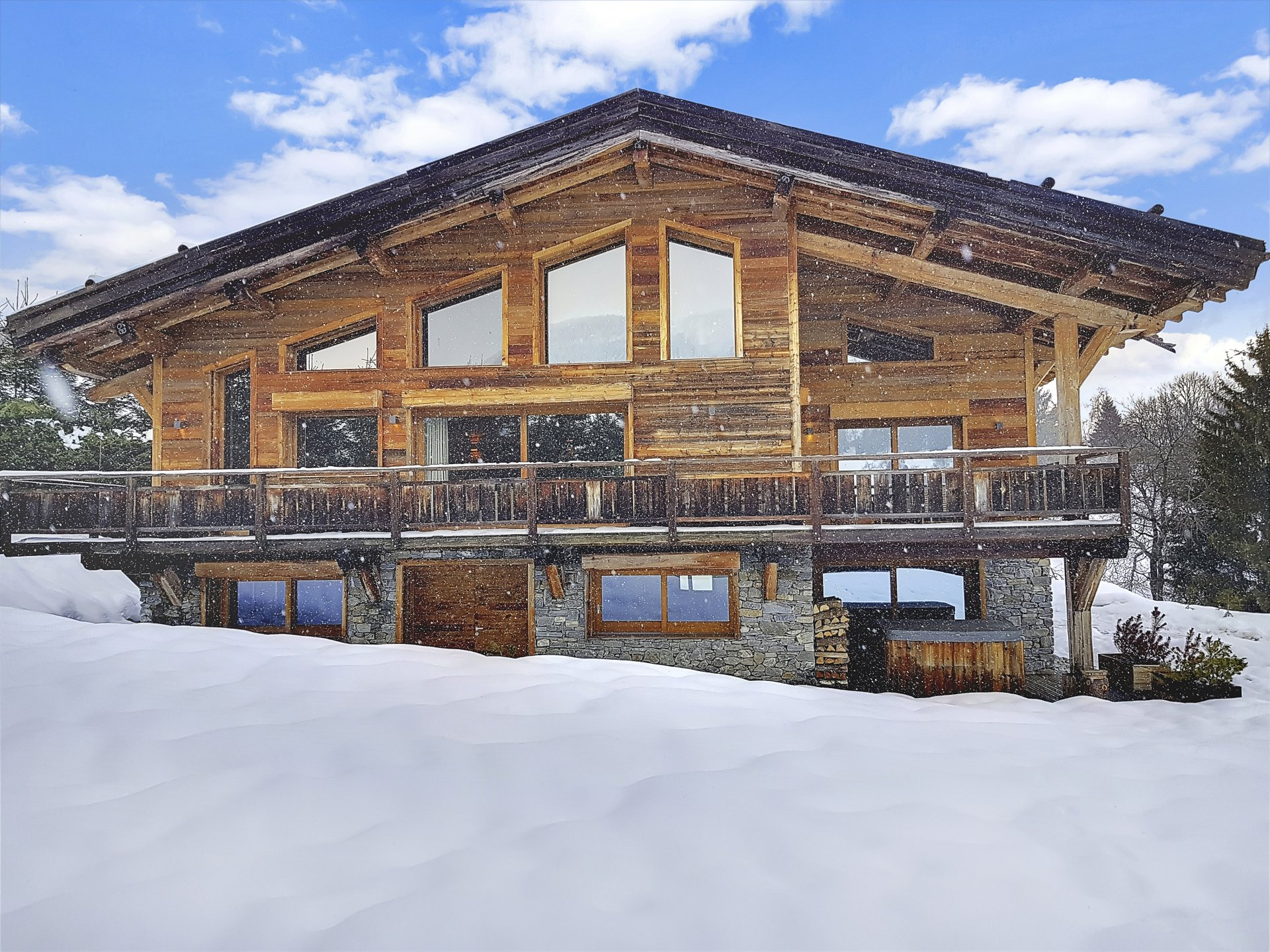 "<span class=""translation_missing"" title=""translation missing: en.shared.featured_properties.alt_for_rent, resort: Megeve"">Alt For Rent</span>"