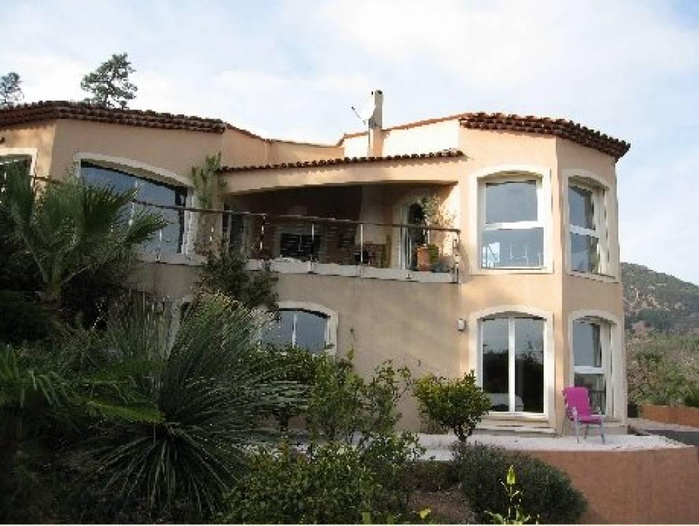 5-Zimmer-Villa 209 m² Meerblick