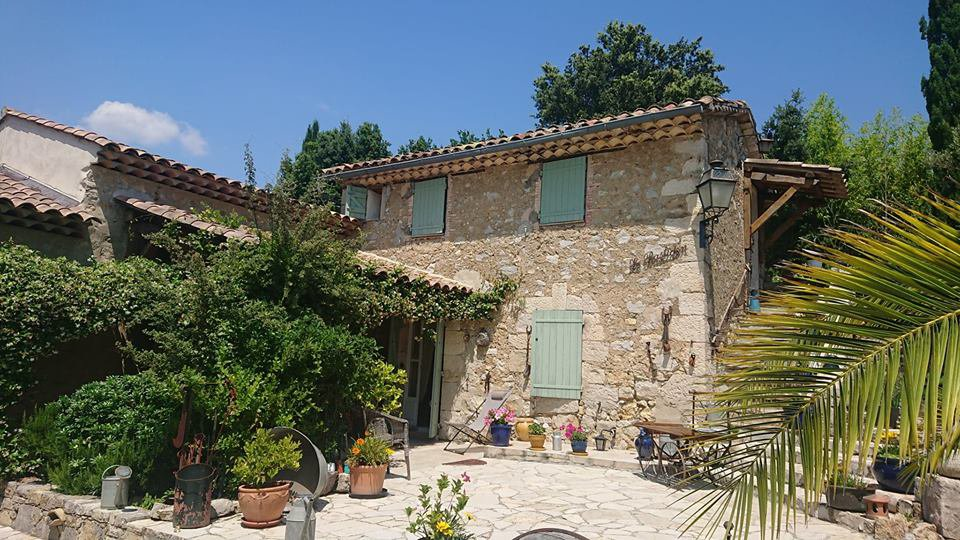 STONE BASTIDE IN LORGUES WITH INDEP STUDIO AND POOL