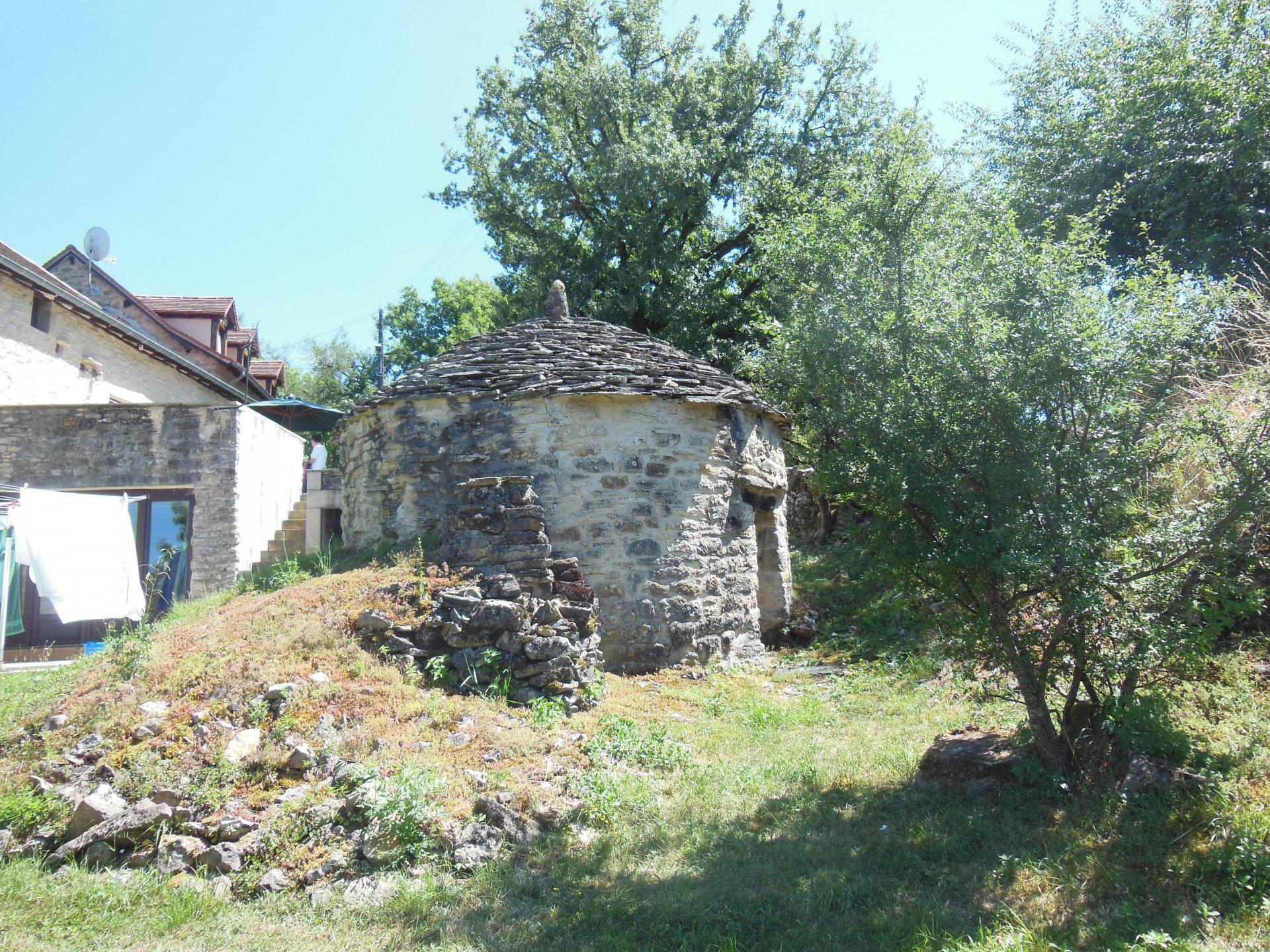 Ensemble de maisons en pierre