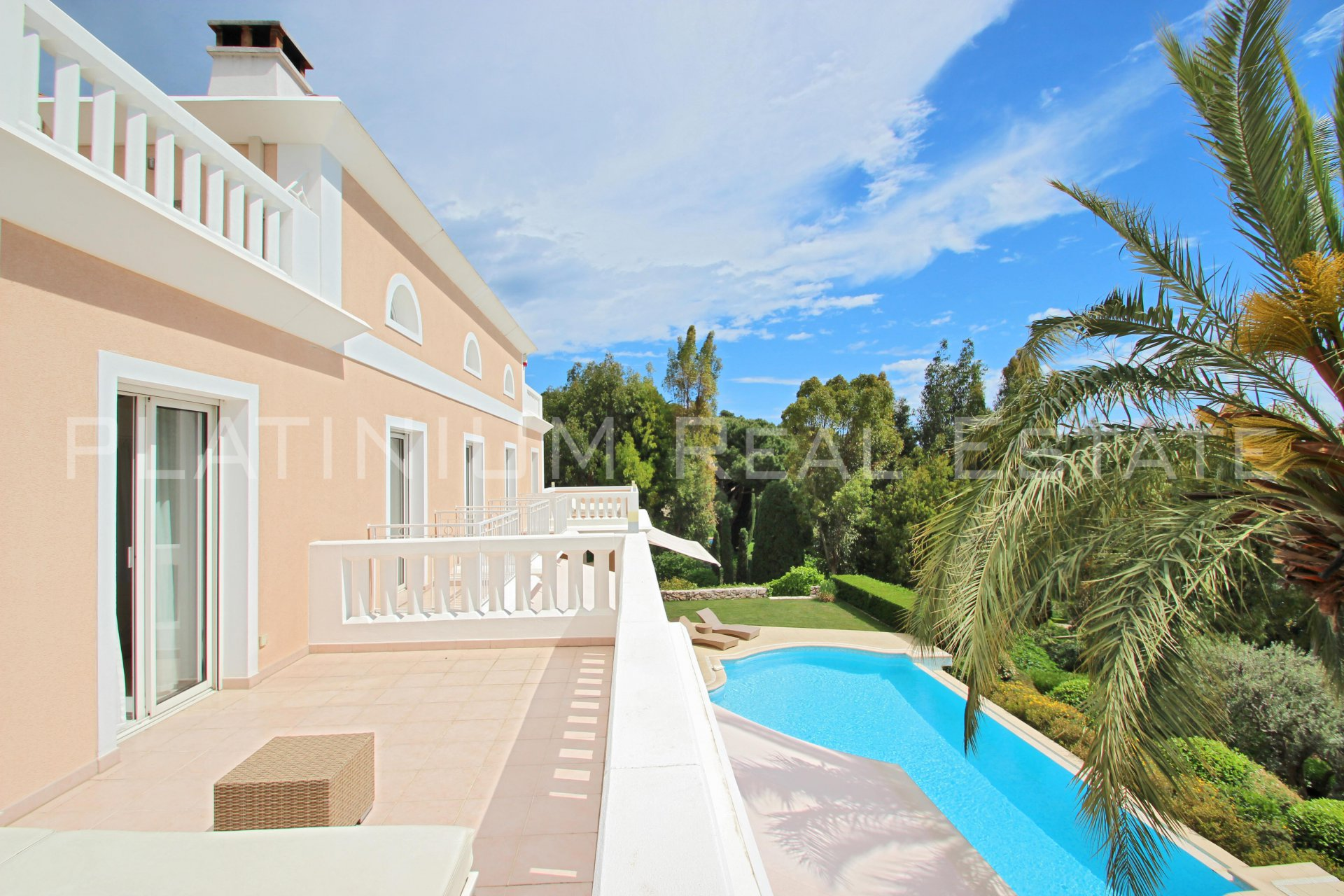 "CAP D'AIL ""CLOSE TO MC"" 