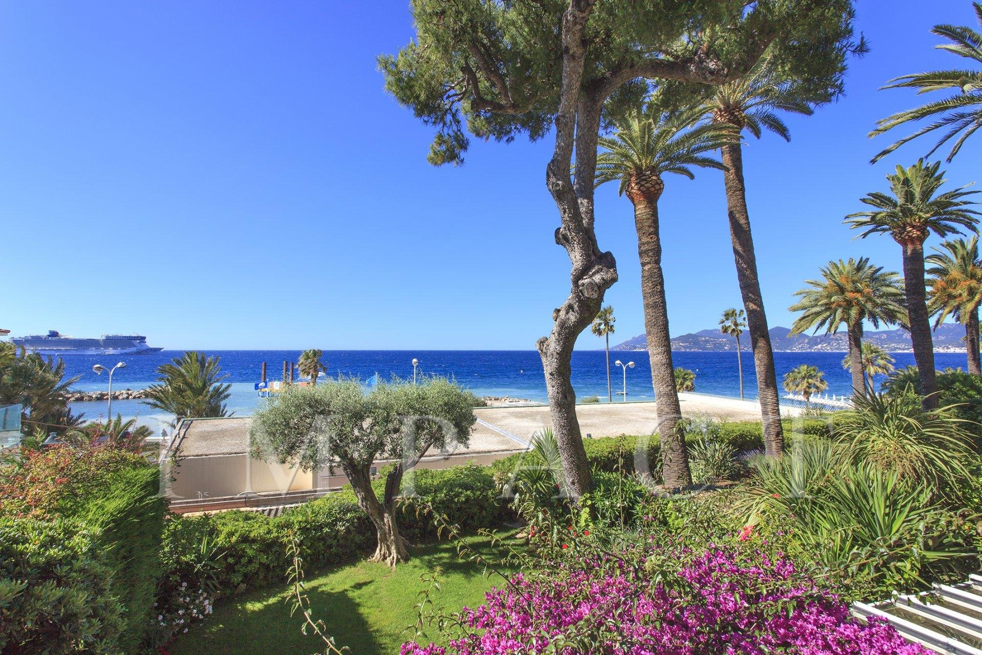 3 bedrooms duplex to rent with sea view, Cannes
