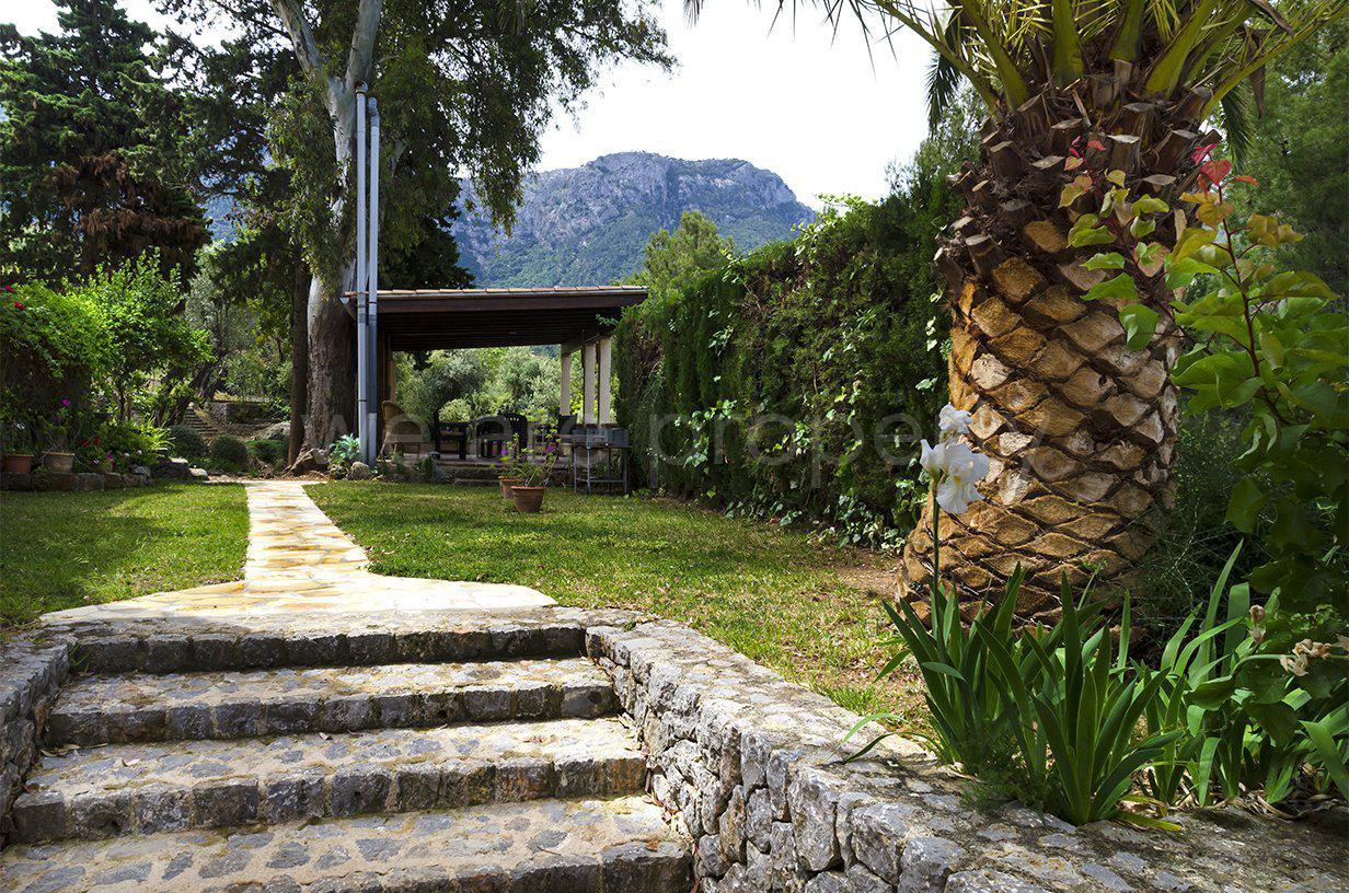 Impressive villa with sea view